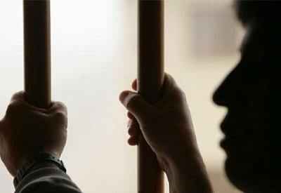 1308-09-24-08-prision