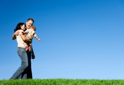 Los hombres cristianos son mejores padres y esposos, reveló un estudio