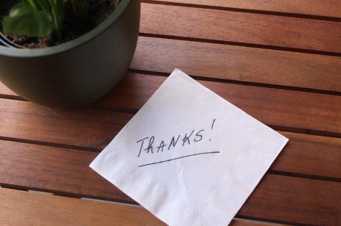 Hay muchas razones para dar graciasTenemos demasiadas razones para dar gracias