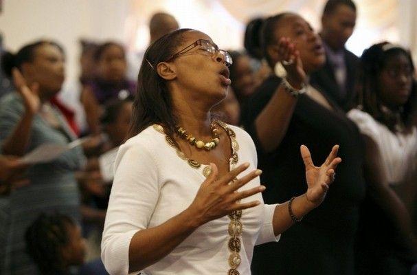 ¿Qué es lo que la gente experimenta en la iglesia?
