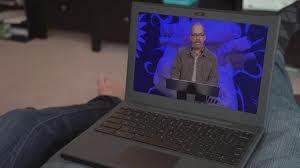 ¿Por qué ir a un servicio religioso cuando puede presenciarlo por internet?