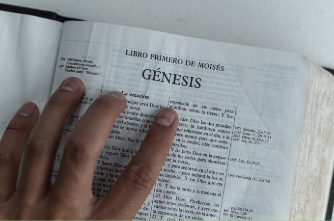 ¿Por qué tantas versiones de la Biblia?
